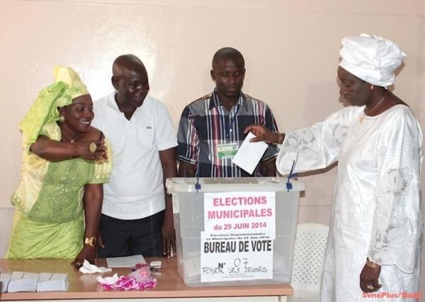 Grand-Yoff : Mimi Touré battue dans son propre bureau de vote !