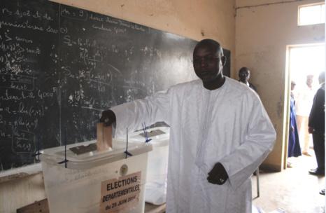 Oumar Gueye, le ministre du Tourisme et des Transports Aériens rafle tous les bureaux de vote de la commune de Sangalkam