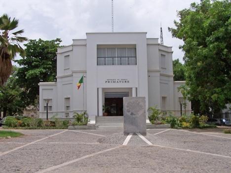 Pour la suppression du poste de premier de ministre ( Daouda Cissé )