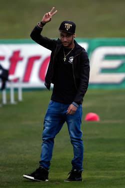 """Neymar: """"J'aurais pu finir en chaise roulante"""""""