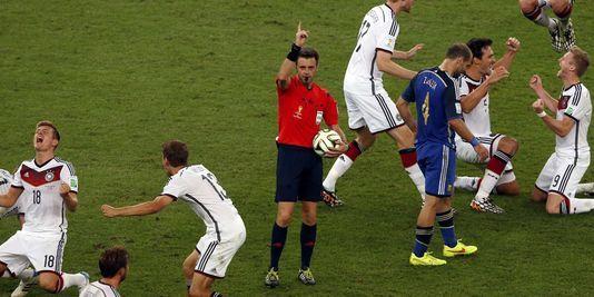 Stéphane Lannoy : « Les arbitres du Mondial ont laissé vivre le jeu »