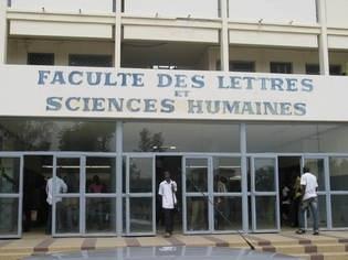 """FLSH de l'UCAD : Le Collectif des étudiants """"Master pour tous"""" dément le Doyen et menace de porter plainte à son tour"""