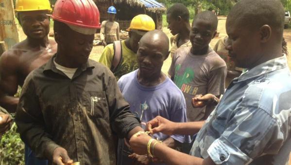 La Sierra Leone, nouvel épicentre du virus Ebola