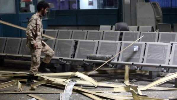Libye: violents combats entre milices à l'aéroport de Tripoli