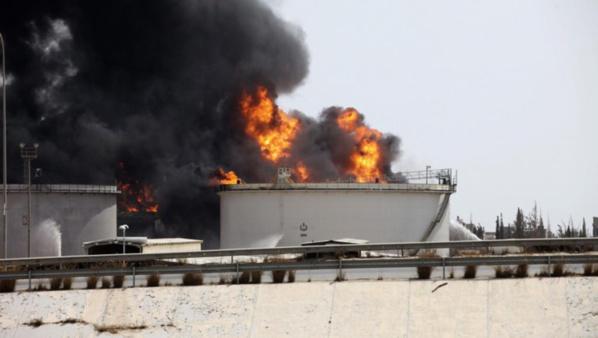 Libye: le gigantesque incendie à Tripoli toujours pas maîtrisé