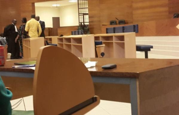Le procès de Karim Wade et Cie  suspendu, le juge exige la comparution de  Bibo Bourgi