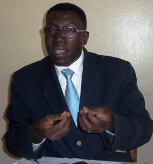 Palais : Macky Sall limoge le professeur Malick Ndiaye