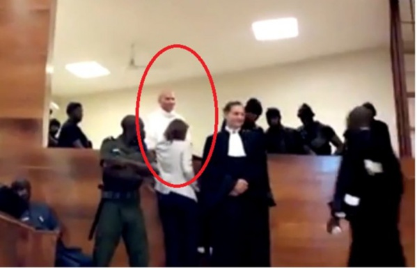 Procès en direct - Déboutés, les avocats de Karim Wade sollicitent un report de l'audience, le président de la Cour dit niet