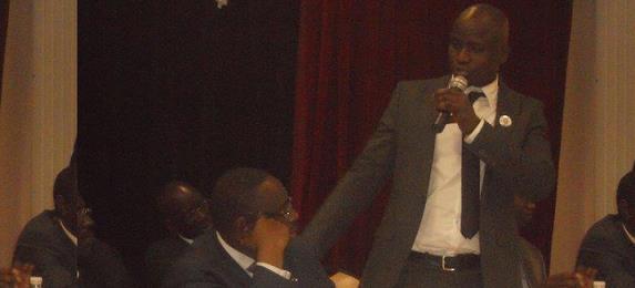 Le consul général du Sénégal à Marseille abreuve d'injures Seydi Gassama d'Amnesty Sénégal