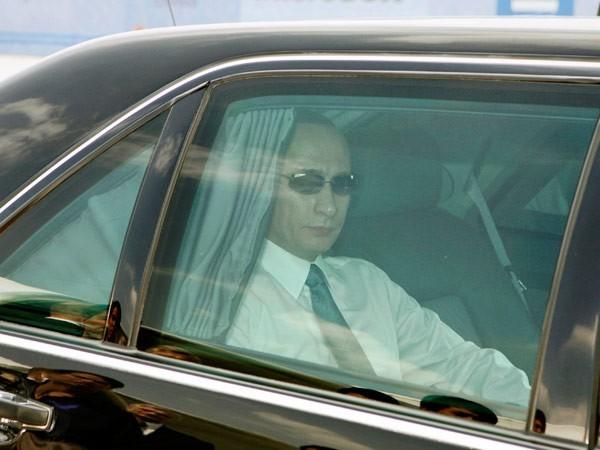 L'escorte de Vladimir Poutine lors de ses déplacements en Russie