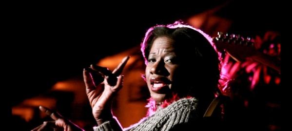 Zoom sur la chanteuse Suzanne Kamara, une voix inimitable