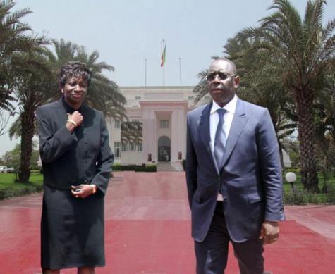 Le Palais démarche des proches de Aminata Touré