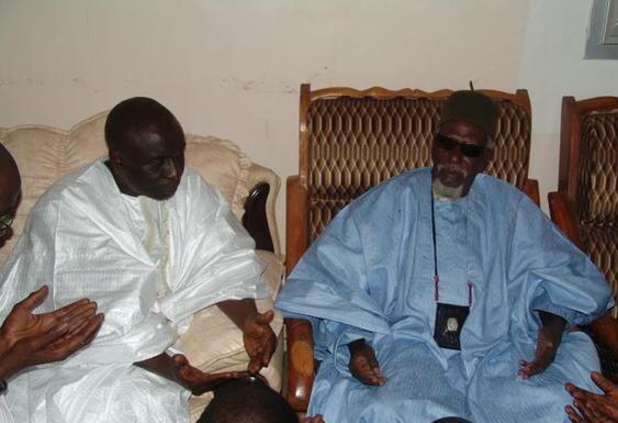 """Conséquence du """"jebëlu"""" d'Idrissa Seck à Touba: """"Rewmi"""" vole en éclat à Tivaouane"""