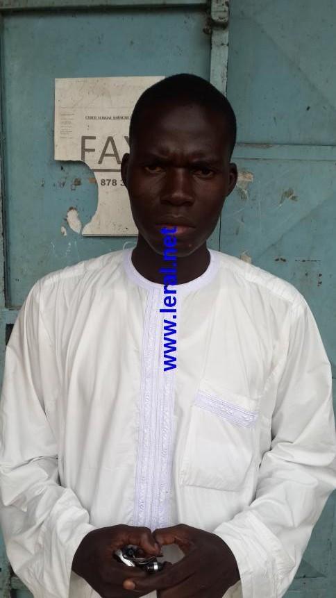 Retour éventuel du Sénat : Un proche de Moustapha Cissé Lô avertit Macky Sall