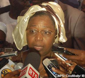 Parcelles Assainies Unité 7: Awa Marie Coll Seck a rencontré la famille d'accueil du jeune guinéen