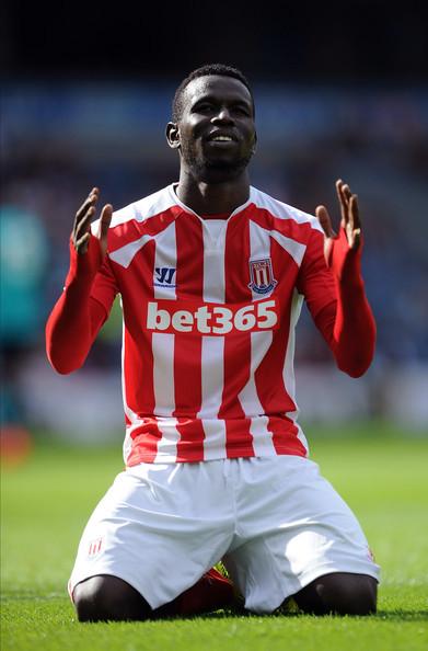 Sorti sur blessure lors de Stoke-Newcastle : Mame Biram Diouf forfait contre la Tunisie ?