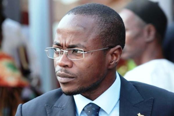 Malmené par des membres de la Cojer, Abdou Mbow prend la fuite et oublie ses binocles au siège de l'APR