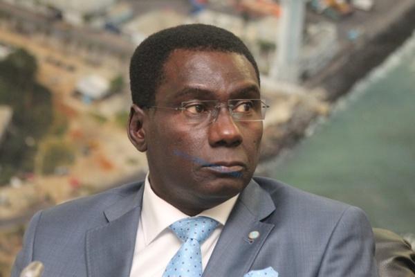 Cheikh Kanté, le Gab ambulant de Macky, se signale encore !