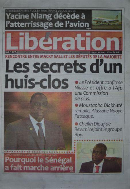A la Une du Journal Libération du lundi 13 octobre 2014