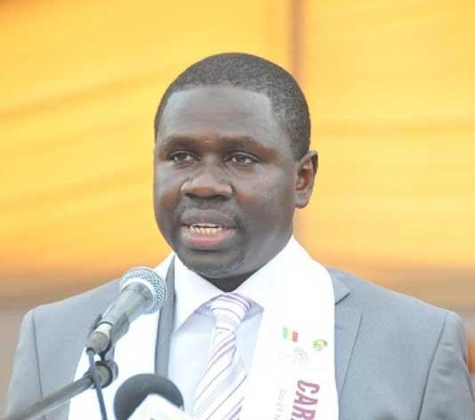 """L'AIBD sera rebaptisé AIAW : """"C'est encore les journalistes qui donnent cette information"""", lance le ministre Oumar Youm"""