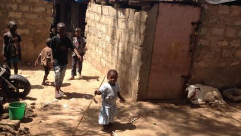 Dakar: A la cité Baraka, les gens se battent pour s'en sortir