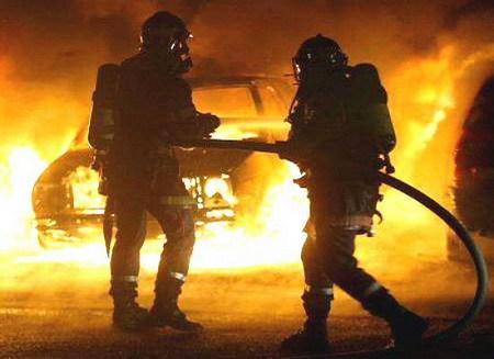 Incendie : Une voiture prend feu sur l'autoroute à péage