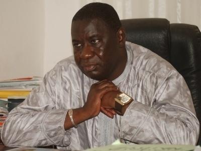 """Affaire Bassirou Faye: Les jeunes de l'Apr """"déchirent la robe"""" de Me Assane Dioma Ndiaye"""
