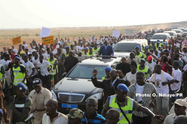 Le président Sall inaugure la cuvette de Ngalenka et le pont de Ndioum