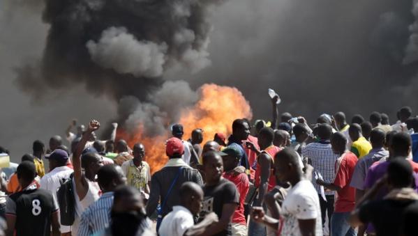 Burkina : Les manifestants en route pour la Présidence