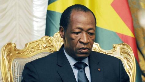 En direct: le président Compaoré dissout le gouvernement burkinabé