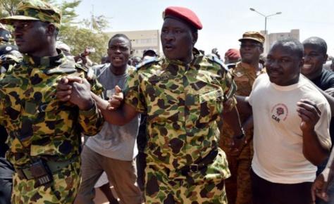 Crise au Burkina : Le lieutenant-colonel Zilda occupe le Palais présidentiel