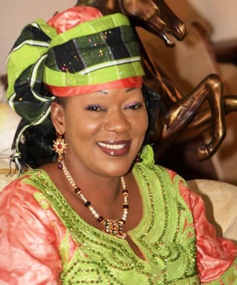 Voici Saran Sérémé la femme que les burkinabè veulent comme présidente. elle a tenté de faire une déclaration à la RTB