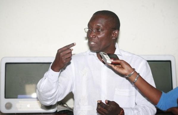 """Me Amadou Sall aux tenants du pouvoir : """"S'ils veulent arrêter Wade, qu'ils le fassent """""""