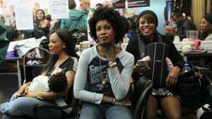 """A Paris, les coiffeuses du """"57"""" remportent une victoire symbolique"""