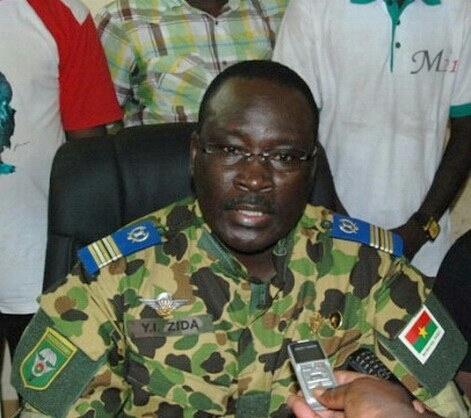 Crise au Burkina Faso: Macky Sall félicite le Lieutenant-Colonel Zida