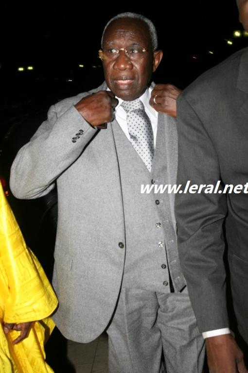 """Iba Der Thiam tacle Abdou Diouf et menace de révéler """"la nature véritable du personnage"""""""