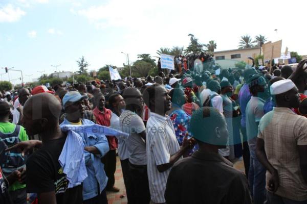 Les premières images du meeting de l'opposition à la Place de l'Obélisque