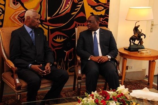 Macky Sall rend visite à Abdou Diouf