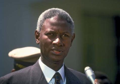 Abdou Diouf est arrivé à Dakar