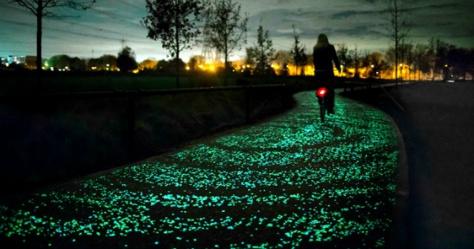 Aux Pays-Bas, avec cette toute nouvelle piste cyclable solaire, vous aurez l'impression de faire du vélo sur la voie lactée ! Tout simplement merveilleux...