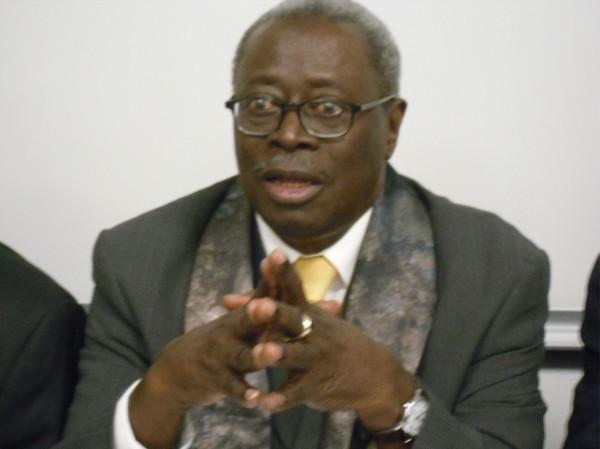 """Robert Sagna : """"La polémique autour du livre d'Abdou Diouf est inutile"""""""