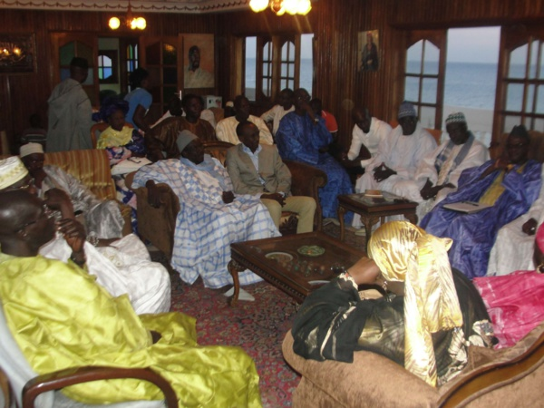 Modibo Diop rend visite au Grand Serigne de Dakar Abdoulaye Makhtar Diop