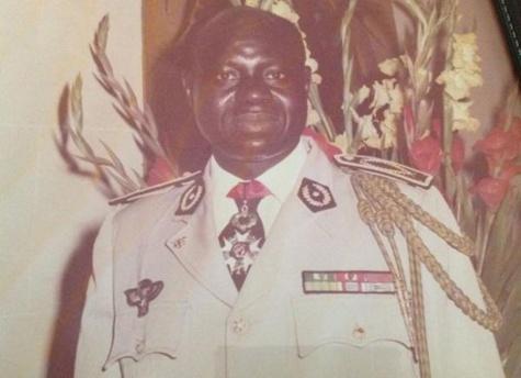 Général Louis Tavrez Da Souza dément Abdou Diouf