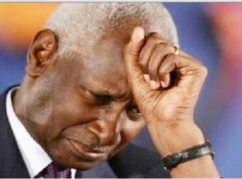 Une idole s'effondre. Merci Monsieur le président Abdou Diouf !