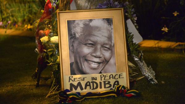 Mandela : Un an après sa mort, un long hommage de bruit et de silence