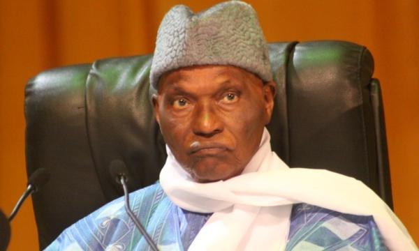 """Abdoulaye Wade : """"J'ai donné une voiture à Madame Diouf, parce que c'est mieux que de la voir sortir en taxi ou autobus"""""""