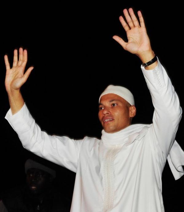 """Abdoulaye Wade craint que Karim Wade ne soit """"empoisonné"""" en prison"""
