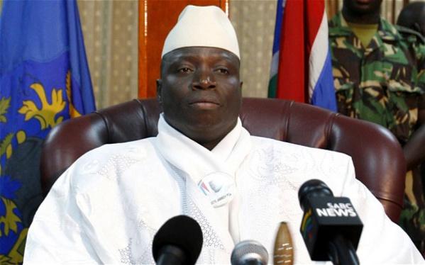 Yaya Jammeh change encore de nom