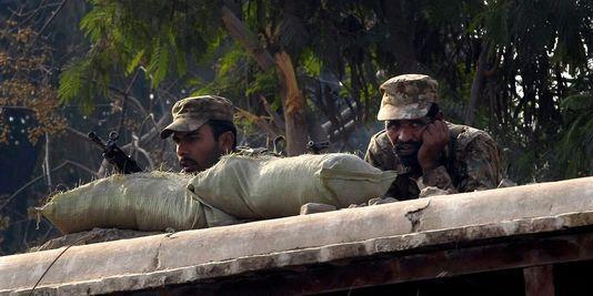 Pourquoi les talibans ont attaqué l'école de Peshawar