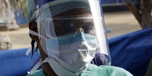 Ebola : 19 031 cas enregistrés, 7 373 morts